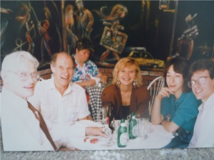 Spurgeon with cousin Norman Jones and daughter Toni and son Brad with his wife Nathalie, in 1989