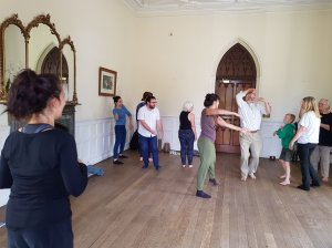 Ornella Bonventre directing her Flow Zone workshop at Braziers Park